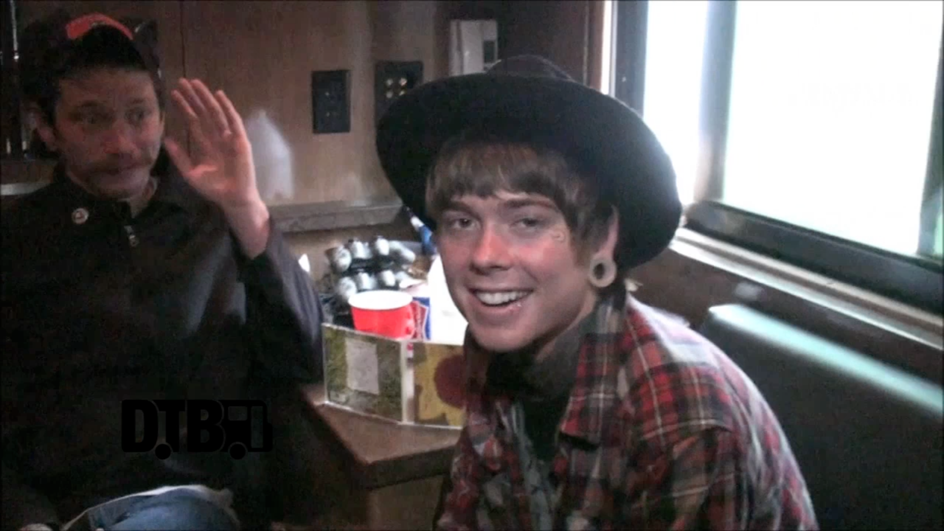 Never Shout Never – TOUR TIPS [VIDEO]