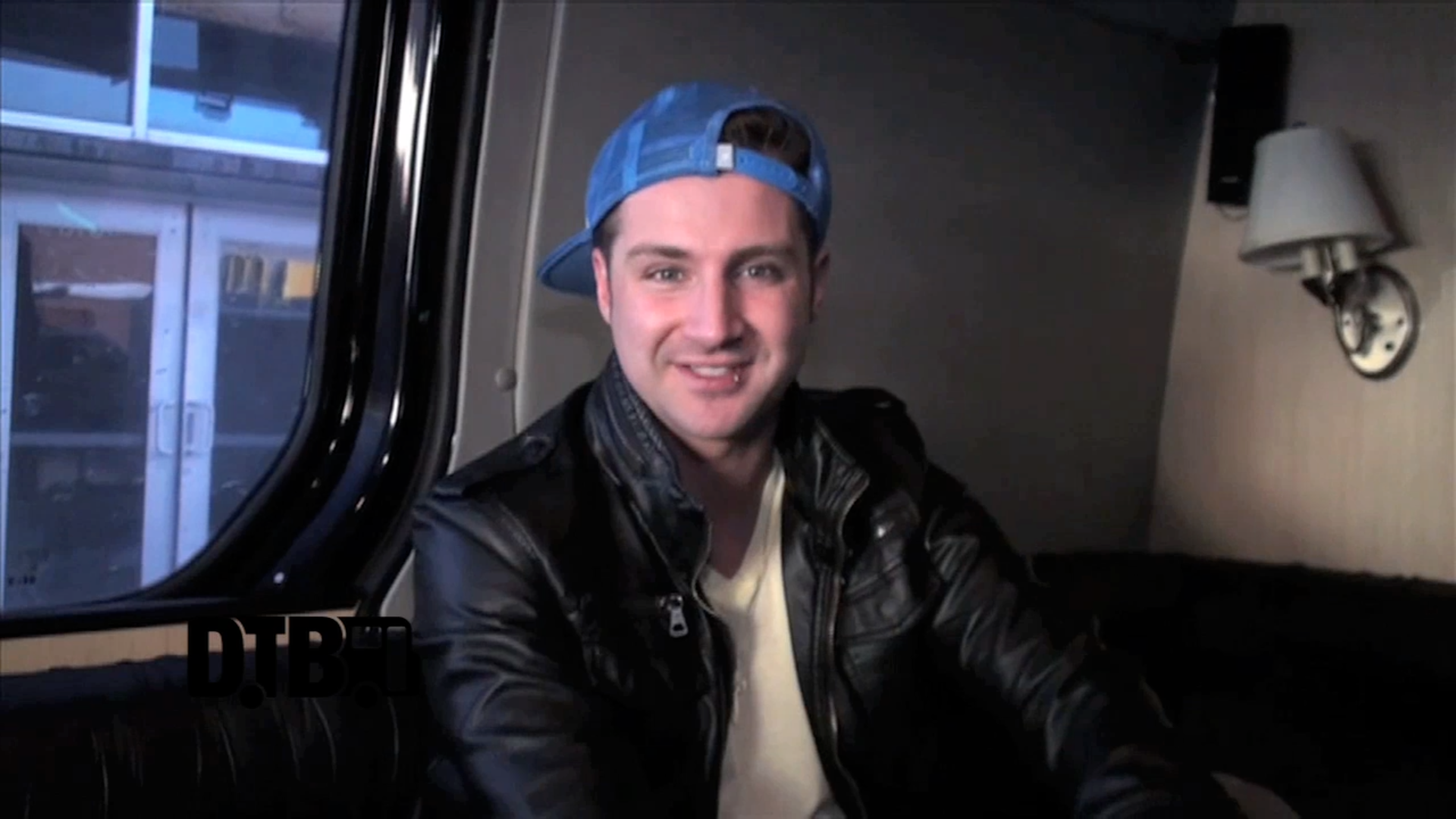 Secondhand Serenade – TOUR TIPS [VIDEO]
