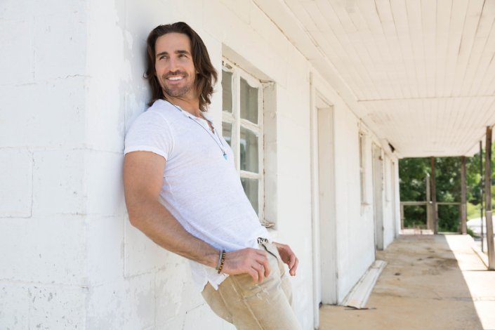 "Jake Owen Announces Cities For ""Days of Gold Tour"""