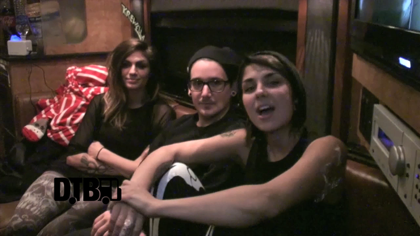 Krewella – DREAM TOUR [VIDEO]