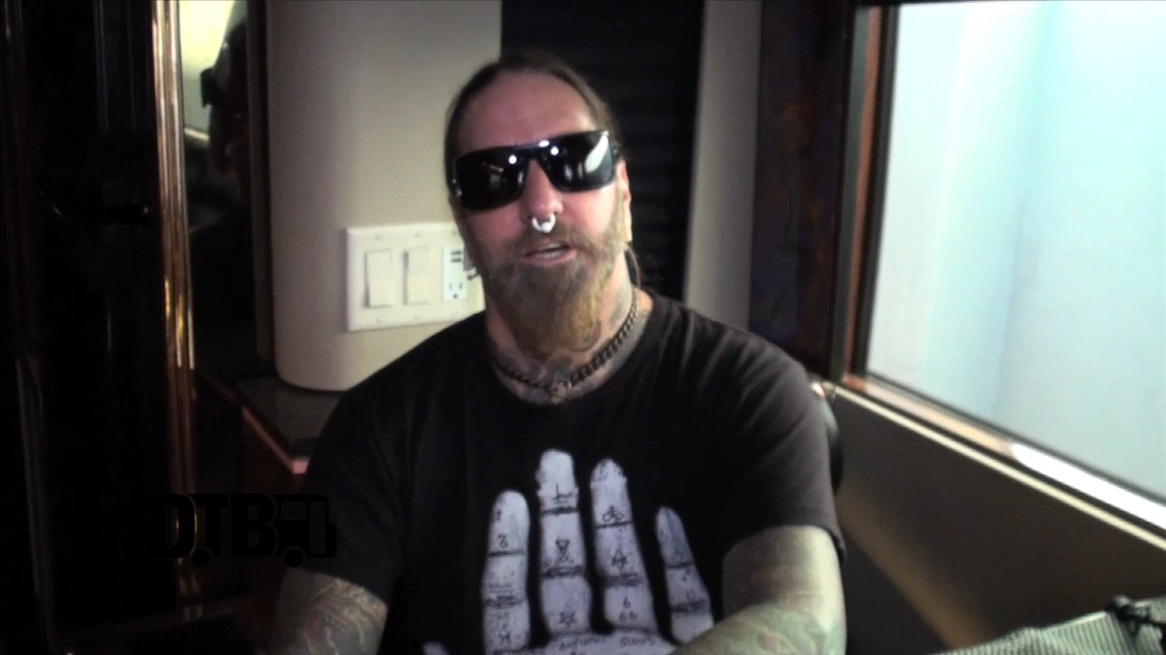 DevilDriver / Dez Fafara – TOUR TIPS [VIDEO]