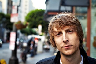 "Eric Hutchinson Announces ""City & Sand Tour"""