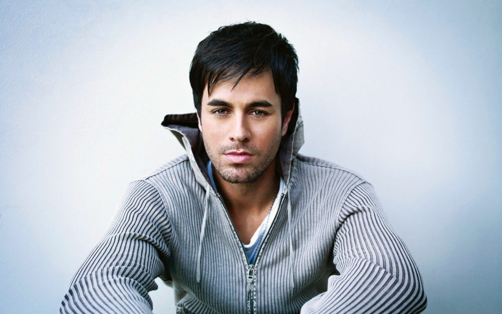 Enrique Iglesias Announces Second Leg for Pitbull Co-Headline Tour