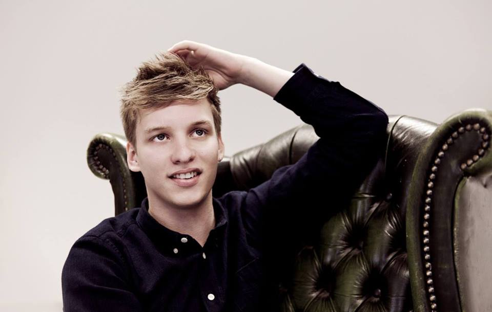 George Ezra Adds Dates to North American Tour