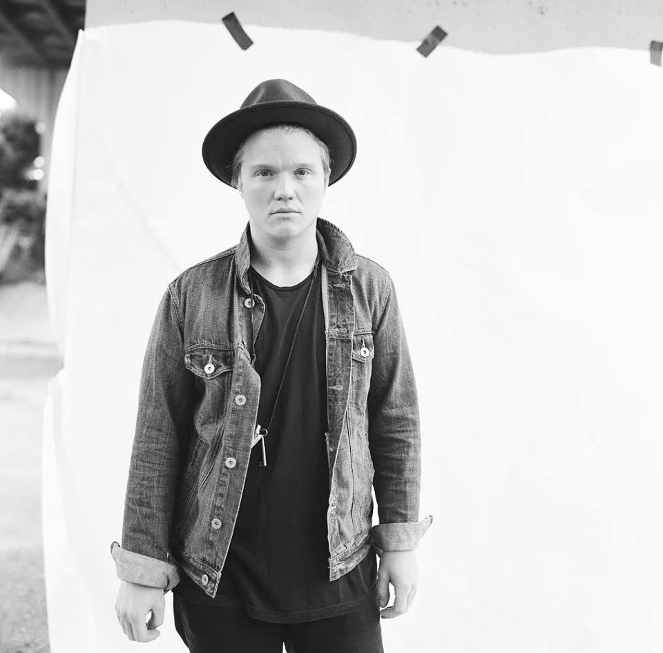 Aaron Gillespie Announces Solo Acoustic Tour
