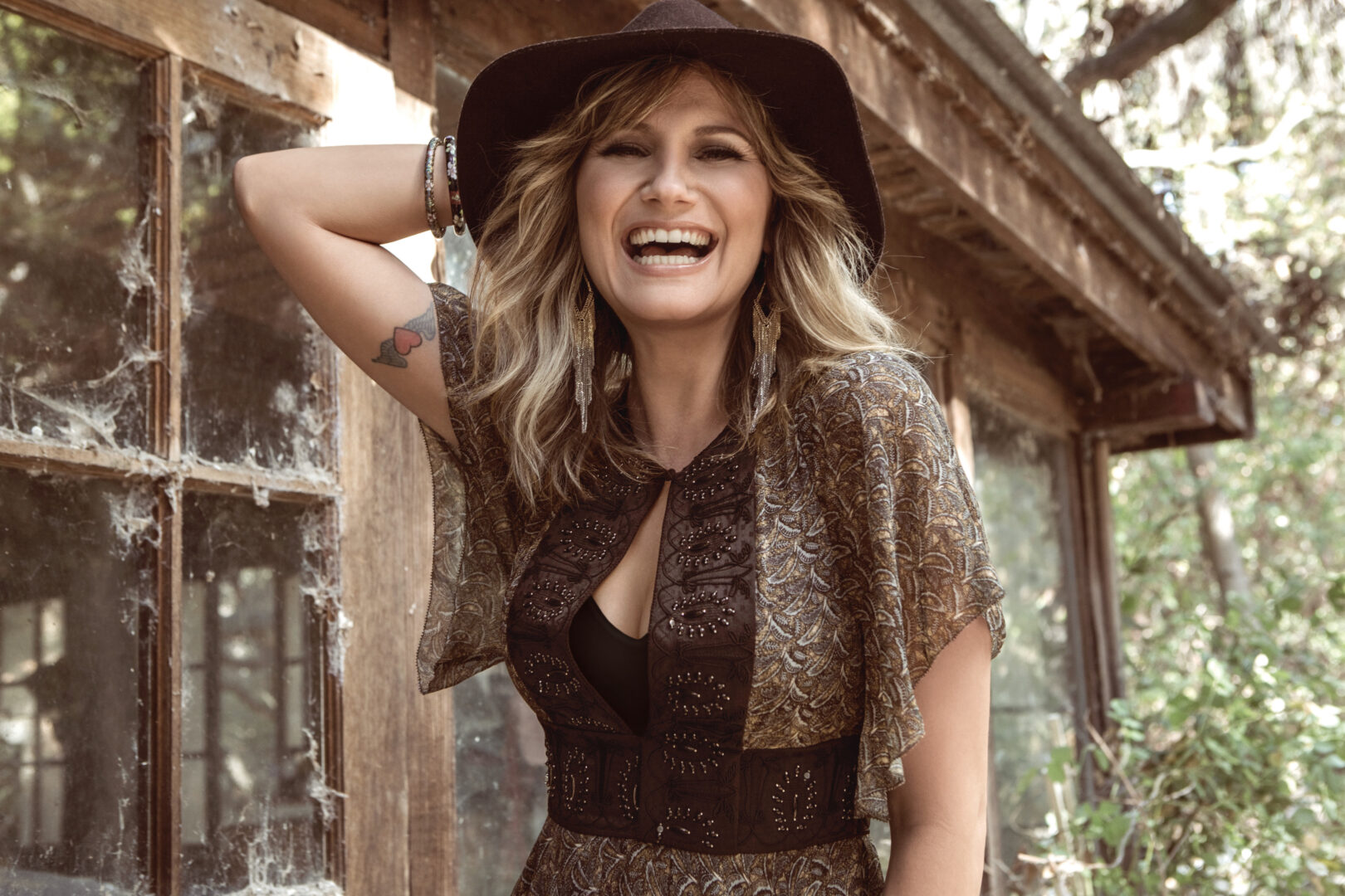 "Jennifer Nettles Announces ""Playing With Fire Tour"""