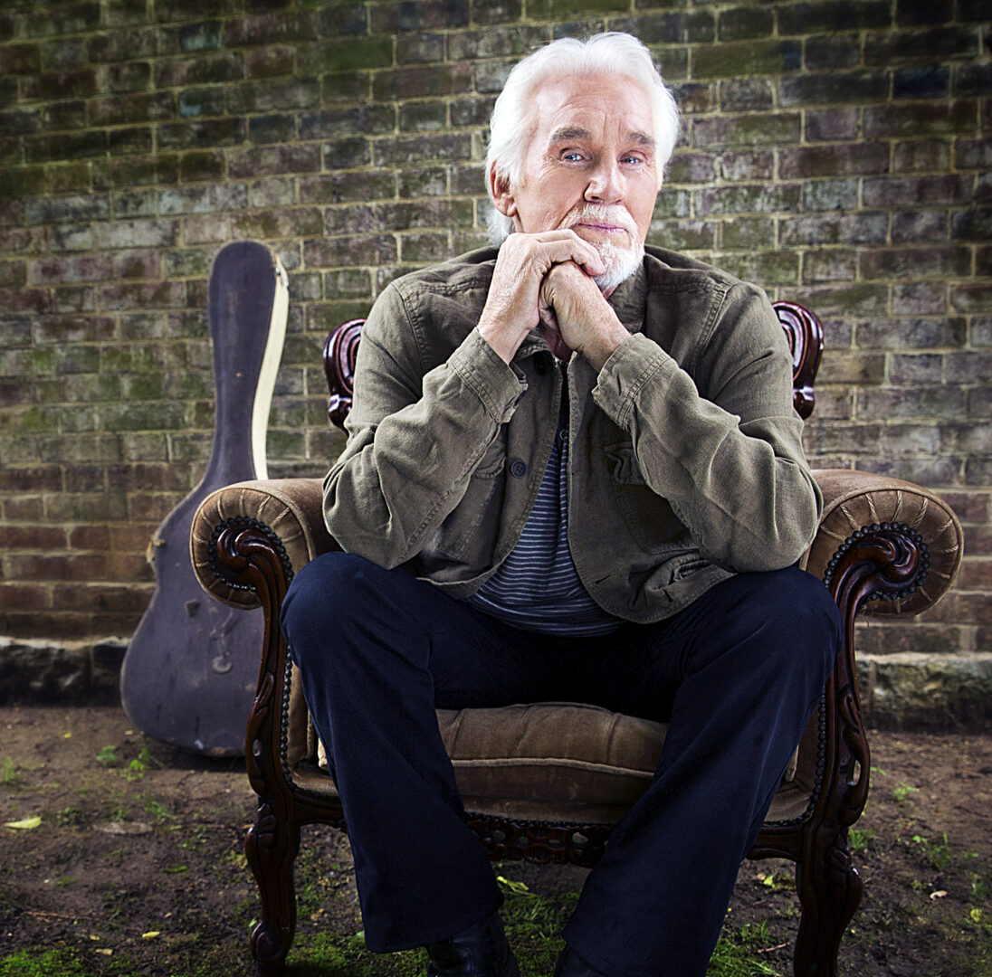 "Kenny Rogers Announces the ""Once Again It's Christmas Tour"""