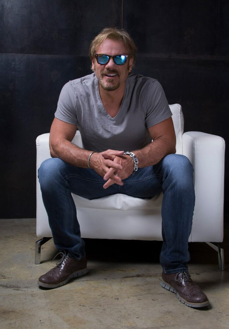 Phil Vassar Announces the Fall Leg of His 2015 #NoPHILter Tour