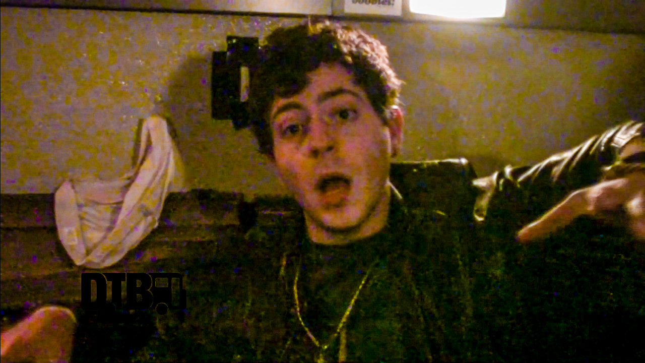 Score 24 – BUS INVADERS (The Lost Episodes) Ep. 83 [VIDEO]
