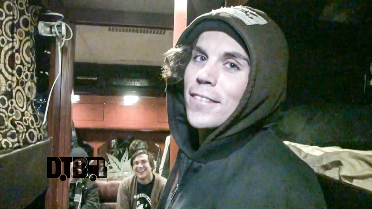 Roger Harvey (feat. Frank Iero) – BUS INVADERS Ep. 979 [VIDEO]