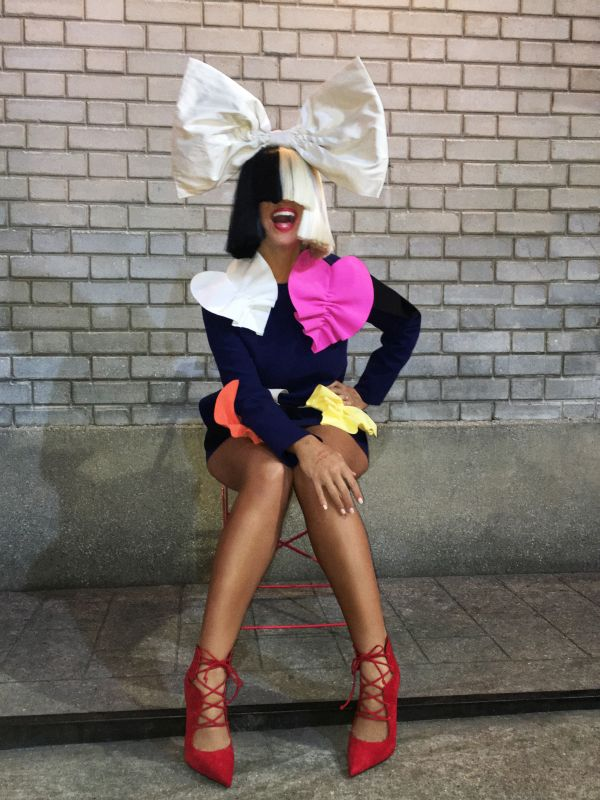 "Sia Announces North American ""Nostalgic For The Present Tour"""