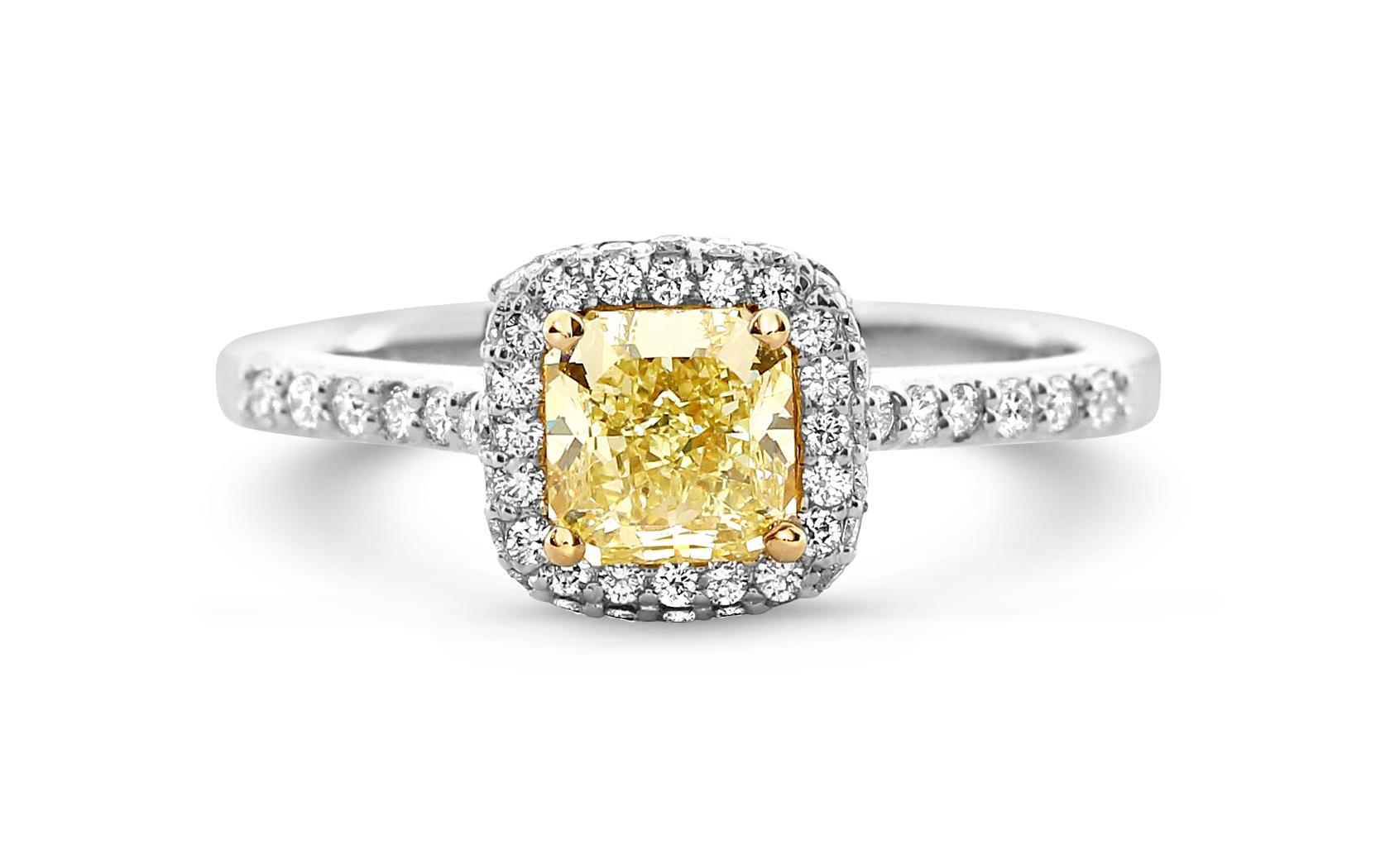 0 81 Ct Cushion Cut Vs2 Yellow Diamond Engagement Ring 18k