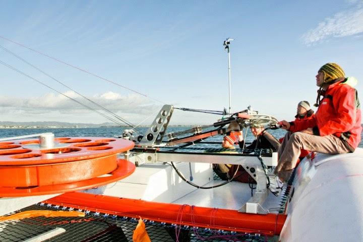 Kite boat con foiling in azione