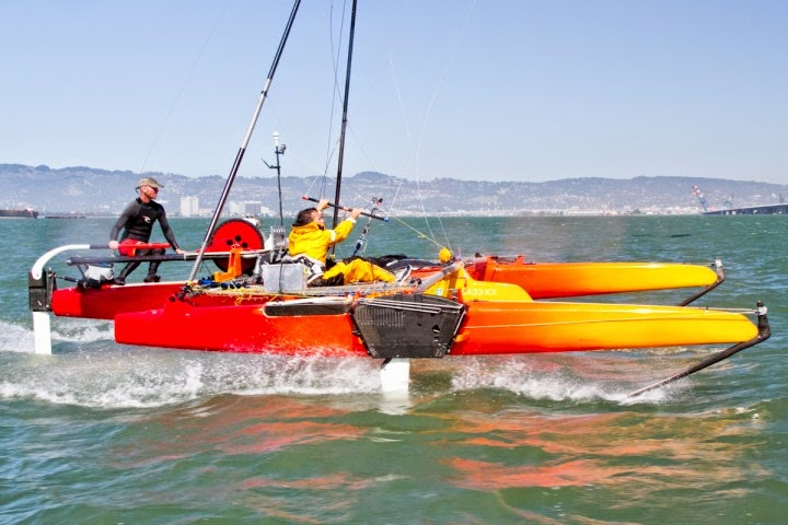 Kite boat con foiling in planata