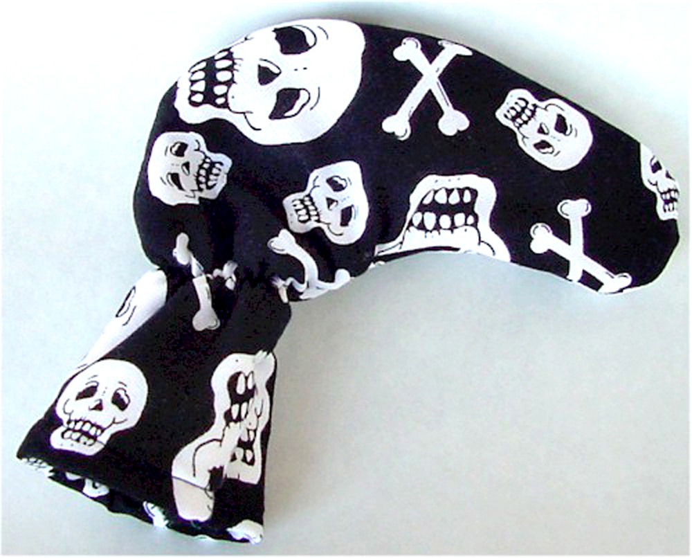 Skull and Crossbones Golf Putter Cover