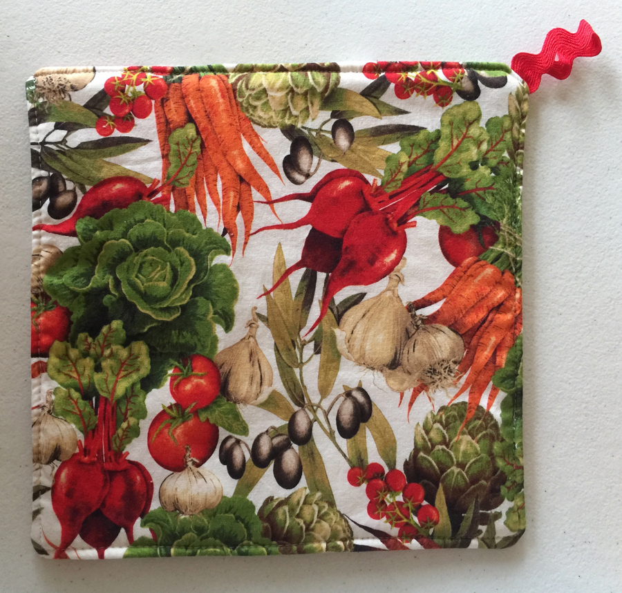 2 Vegetable Botanical Print Pot Holders ~ 100% Cotton