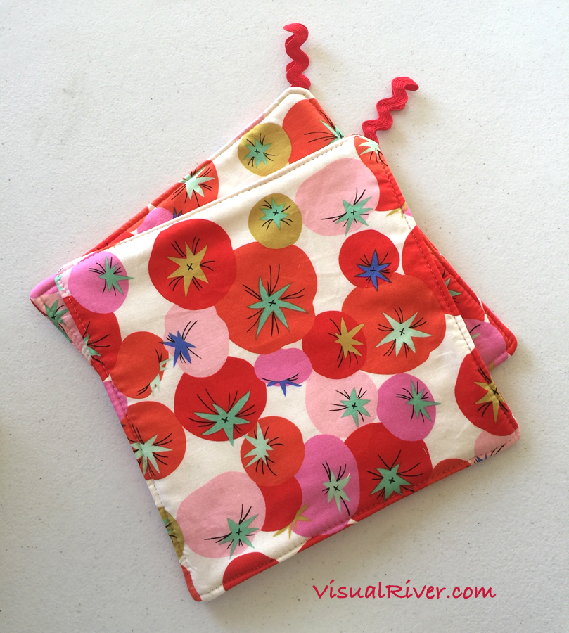 2 Tomato Retro Print Pot Holders