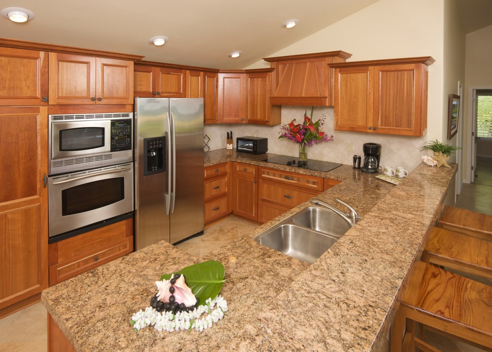How Much Does it Cost to Paint My Kitchen Cabinets in ...