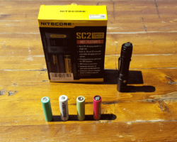 EASTSHINE Hero2 Nitecore SC2 Superb Charger Review