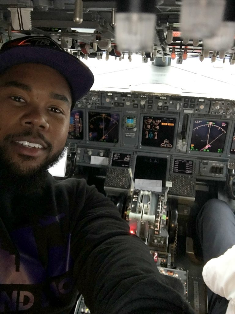 Shout out to the crew for allowing me in the cockpit!