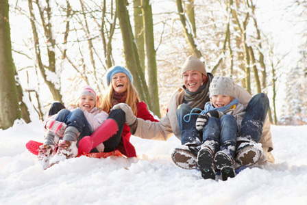 family-activity-snow-day-sledding-horiz