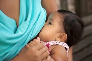 breastfeeding natural