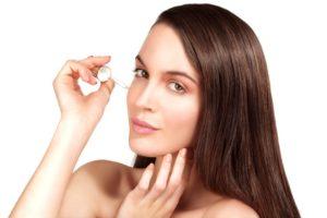 Applying your hyaluronic acid serum
