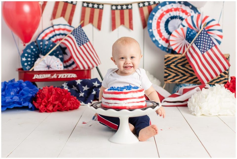 4th of July theme cake smash | first birthday photo shoot | Iowa Baby Photographer | CB Studio