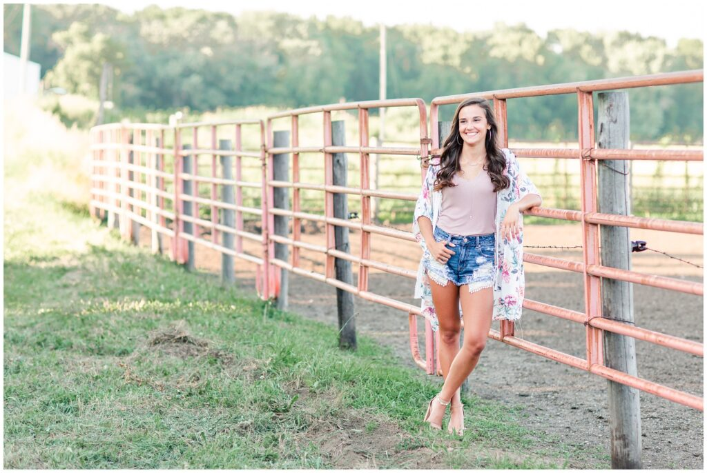 Farm senior picture ideas | Iowa Senior Photographer | CB Studio