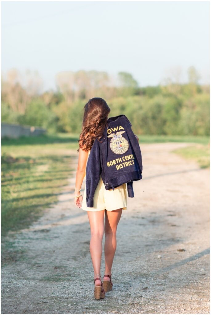 FFA senior picture ideas | Iowa Senior Photographer | CB Studio