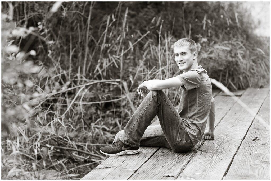 Senior boy poses | Iowa Senior Photographer | CB Studio