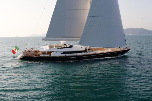 Perini-Navi-52-metre-superyacht-CLAN-VIII