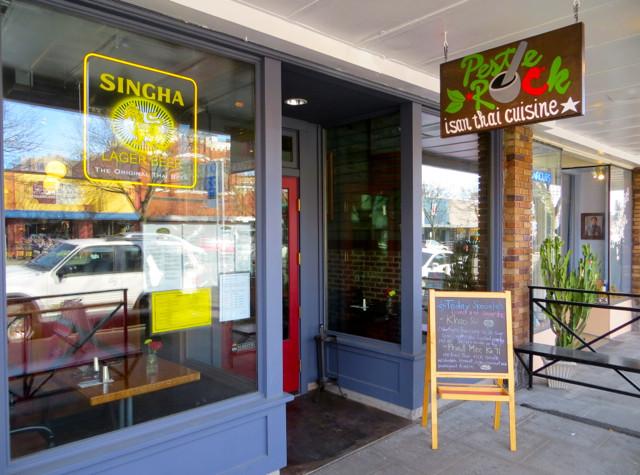original_Best_Thai_Food_Seattle-Pestle_Rock_Thai_Restaurant