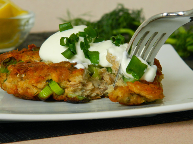 Salmon-Patty-with-Fork