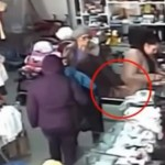 Video: An old woman stealing like a master thief.