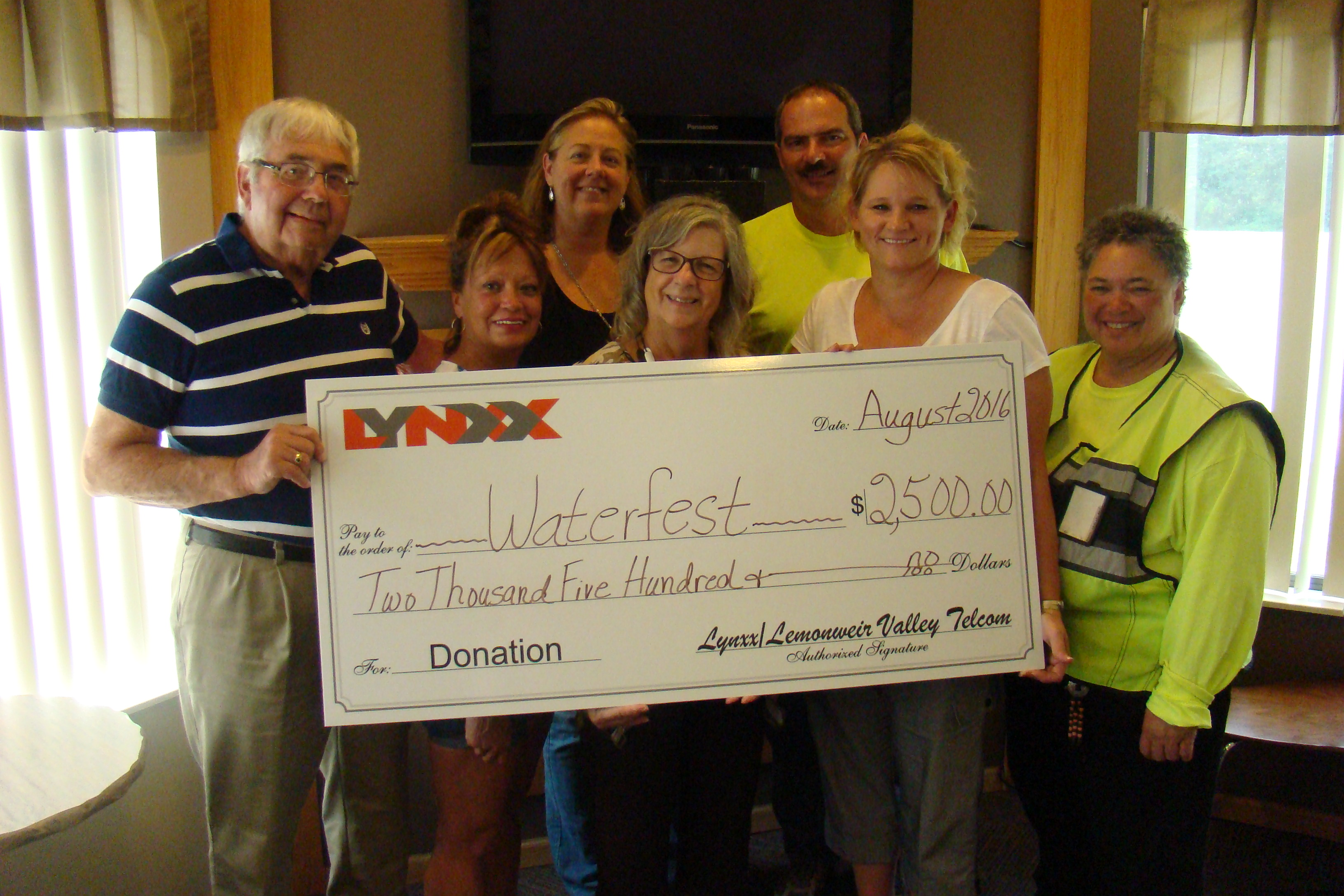 Lynxx Donates to Waterfest
