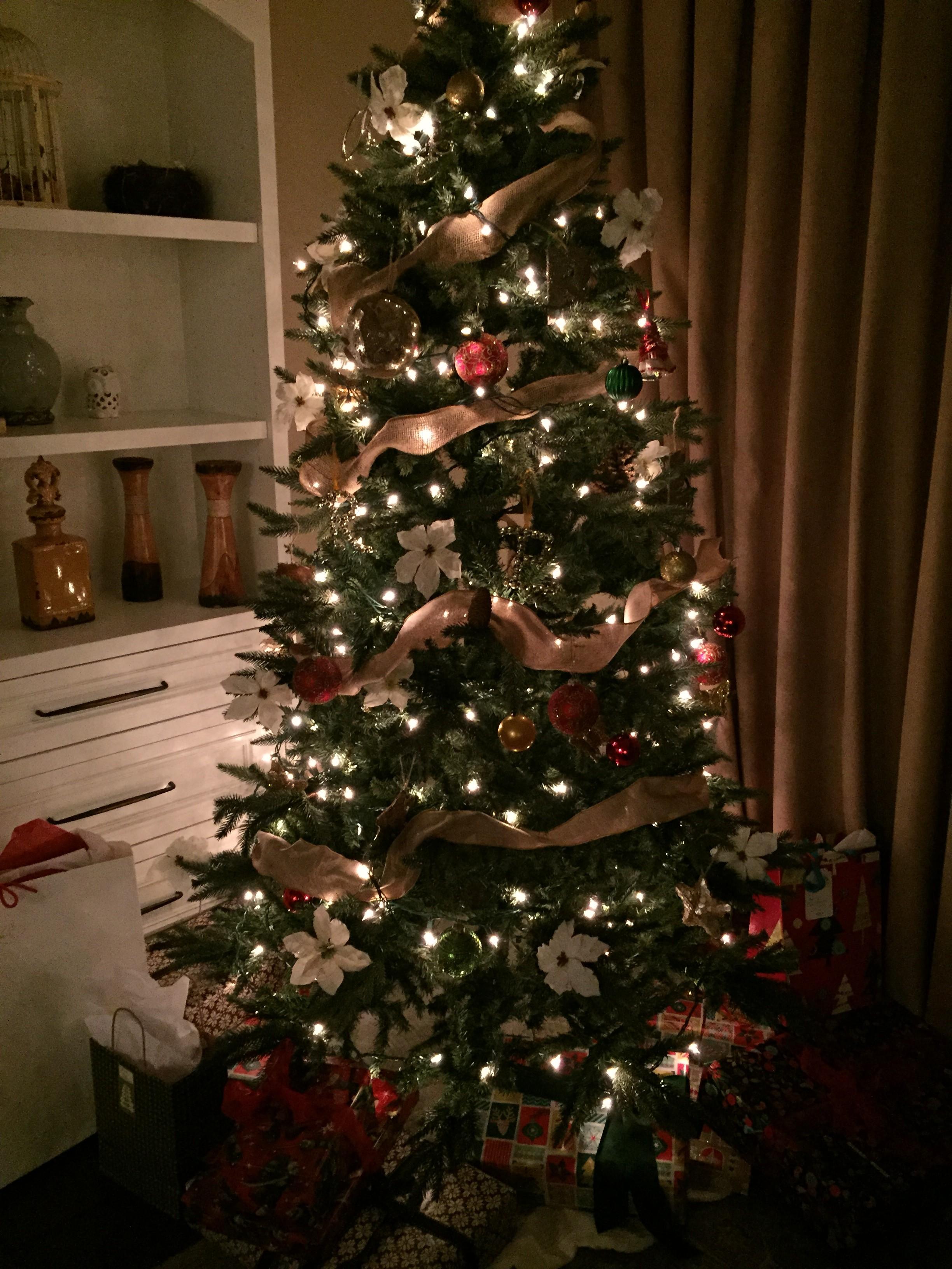 Win a holiday gift box!!