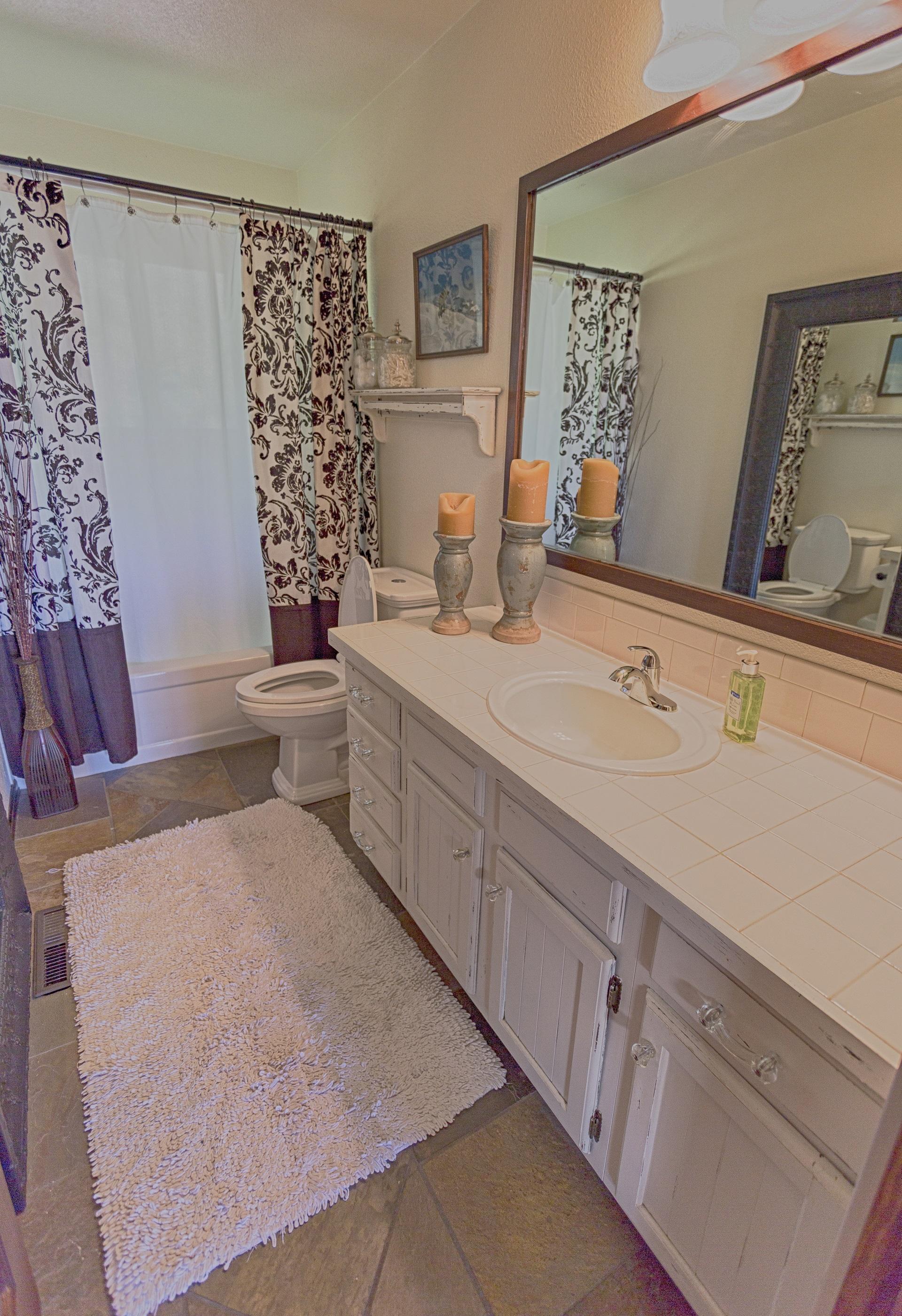 b6 Bathroom #1 small