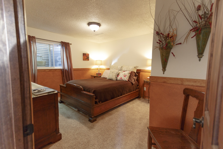 c5 Guest bedroom small