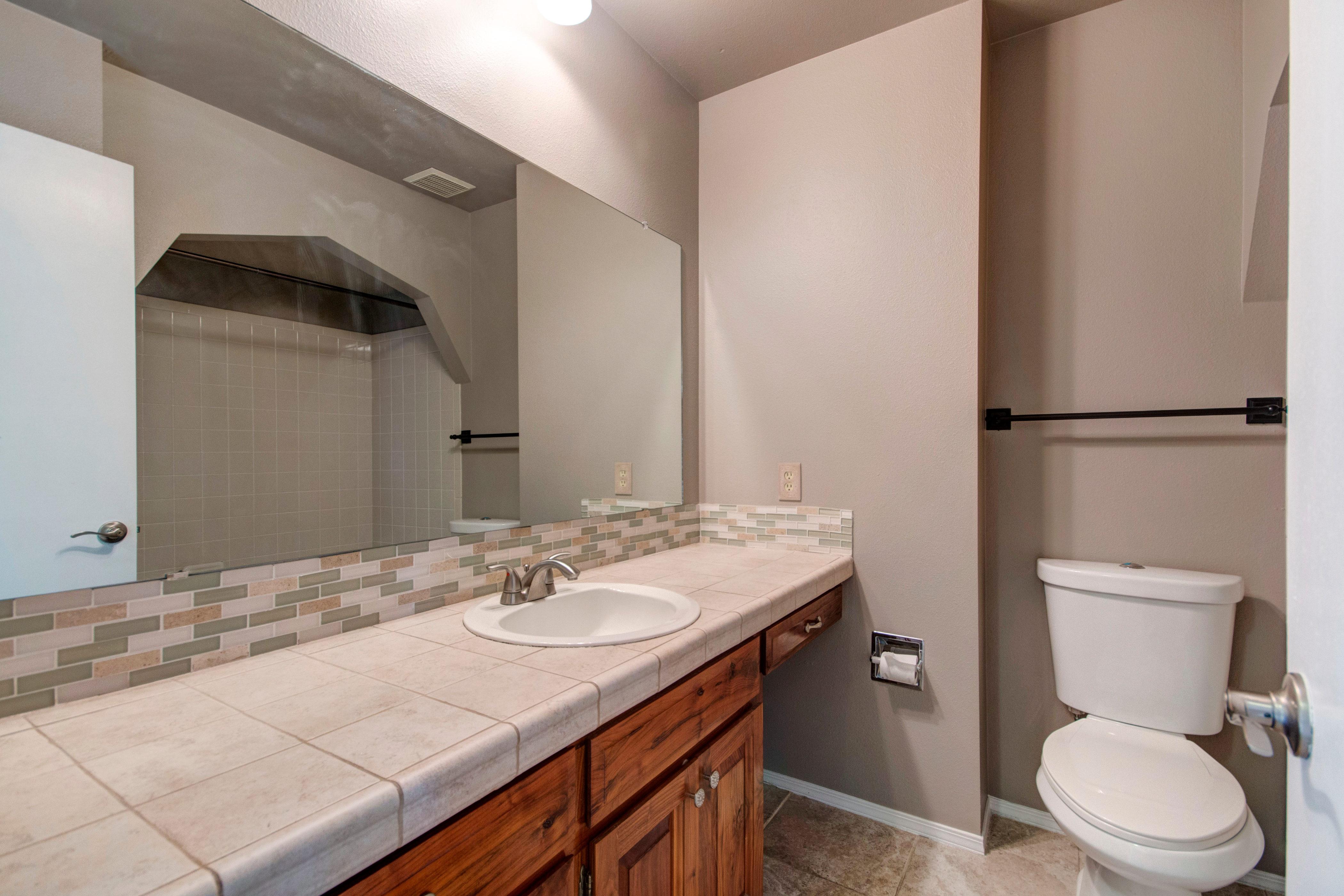 3307 Chestnut Ave Loveland CO-print-021-37-Bathroom1-4200×2800-300dpi