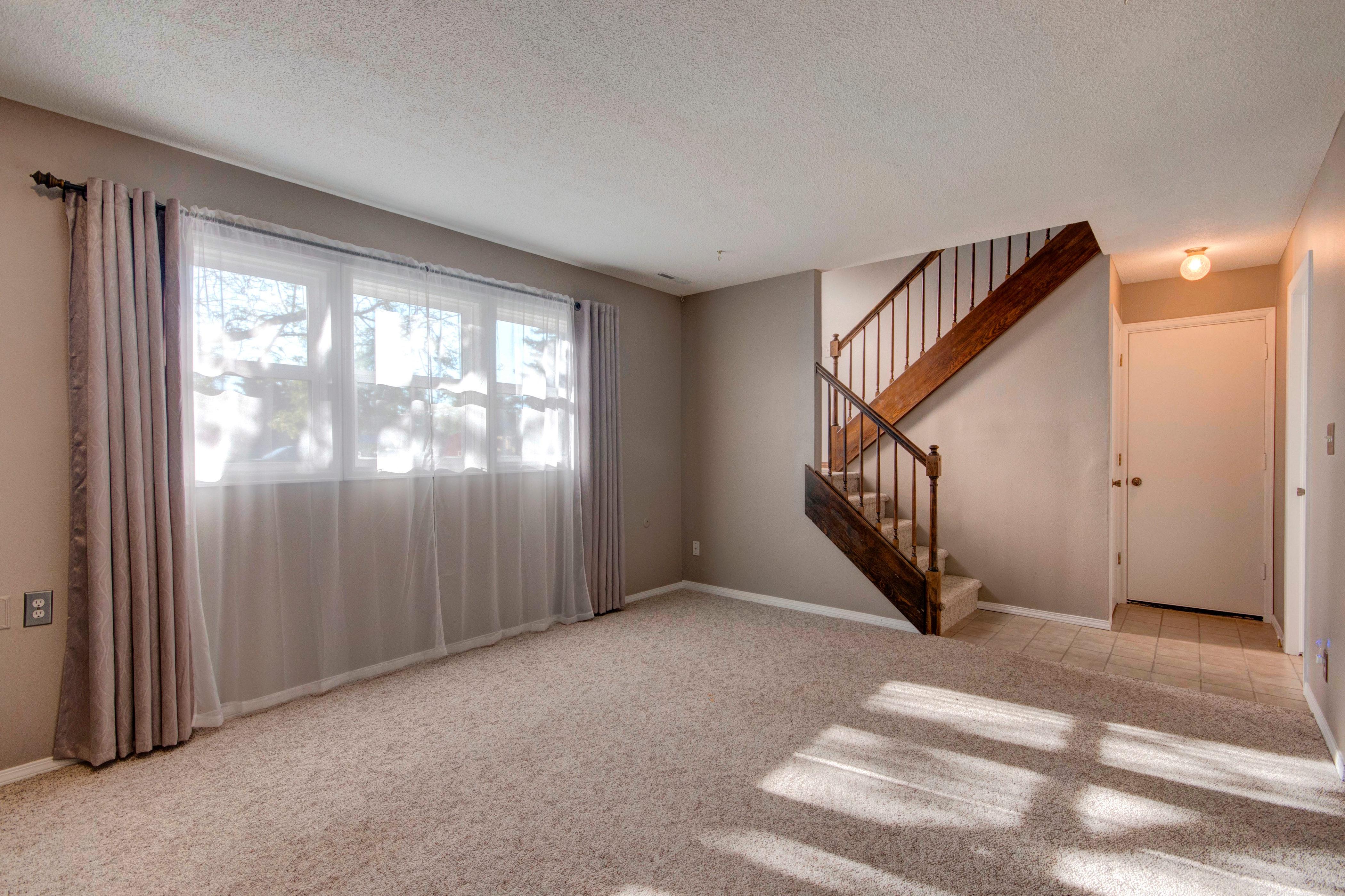 3307 Chestnut Ave Loveland CO-print-023-16-Family Room-4200×2800-300dpi