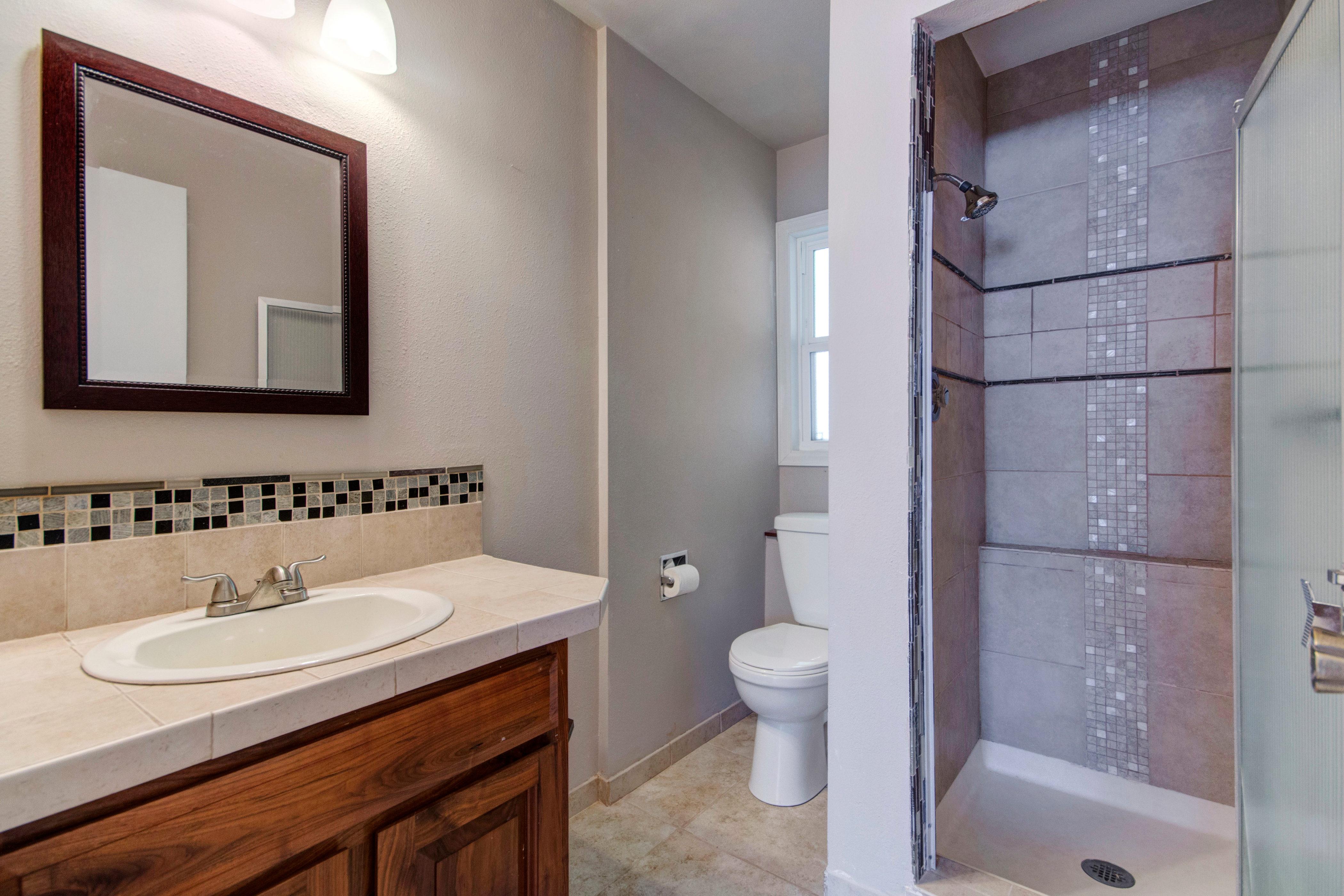 3307 Chestnut Ave Loveland CO-print-025-18-Bathroom2-4200×2801-300dpi