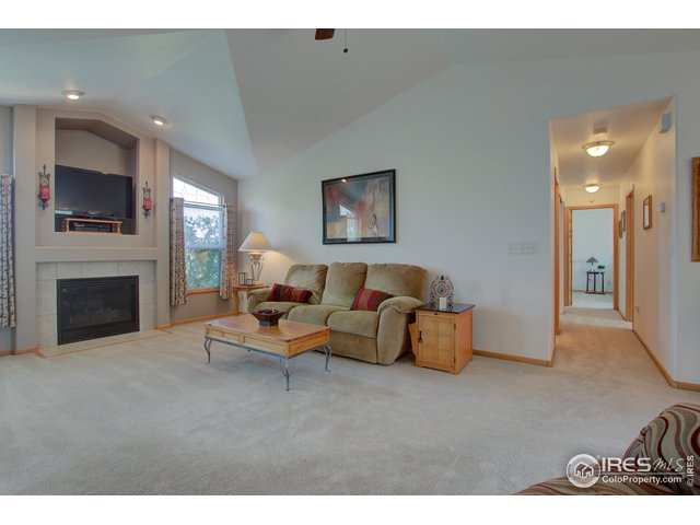4-7465 View Pointe Dr
