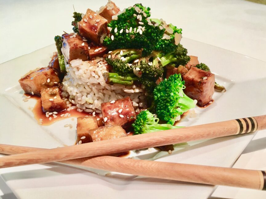 ASIAN GARLIC TOFU WITH BROCCOLI