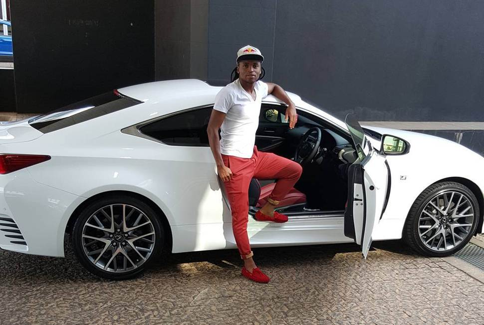 Photo of Siphiwe Tshabalala and his sporty lexus