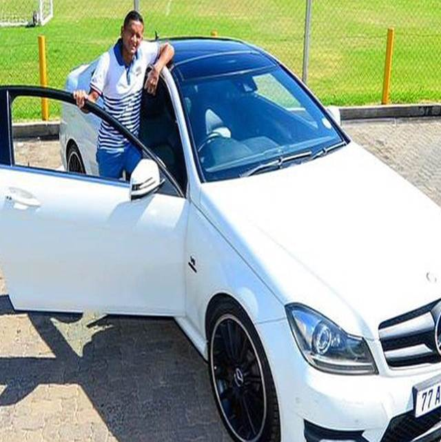 Photo of Daine Klate shows off his AMG