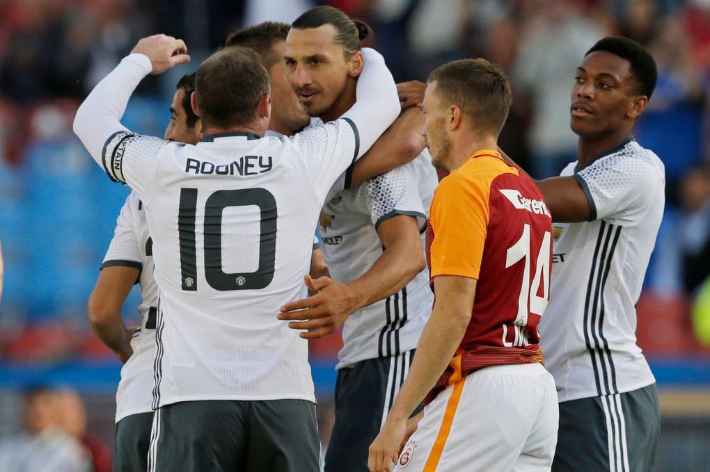Photo of Watch Zlatan Ibrahimovic Overhead Kick Proves He's United's Main Man