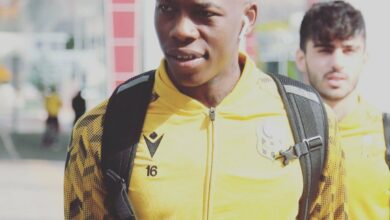 Photo of Ex-Kaizer Chiefs Defender Teenage Hadebe Angers Turkish Paymasters