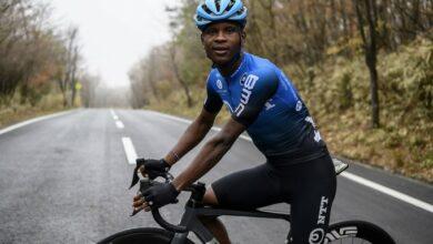 Photo of Top SA Road Cyclist Nicholas Dlamini Suffers Broken Arm Assault On Table Mountain