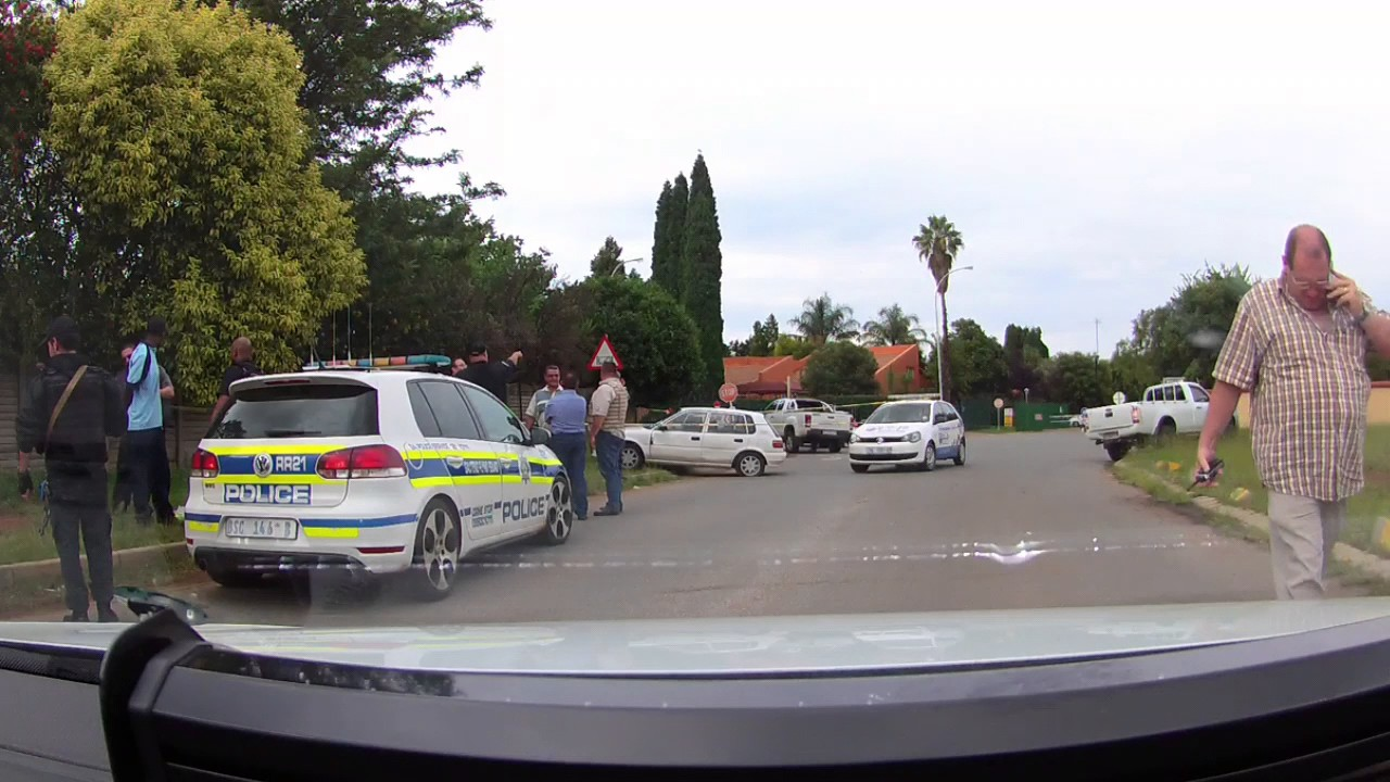 5 suspected armed robbers arrested in two high speed chases